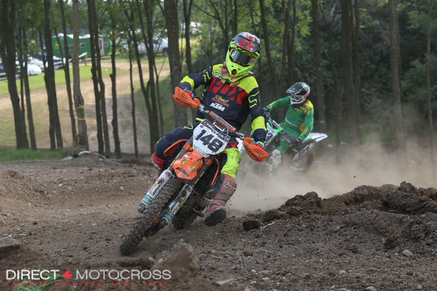 He was this close with Metcalfe for most of the second moto. 3-2 gave him 2nd overall, 1 point up on Metty on the day.